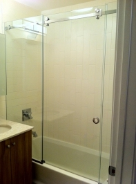 90-degree-shower-door-23